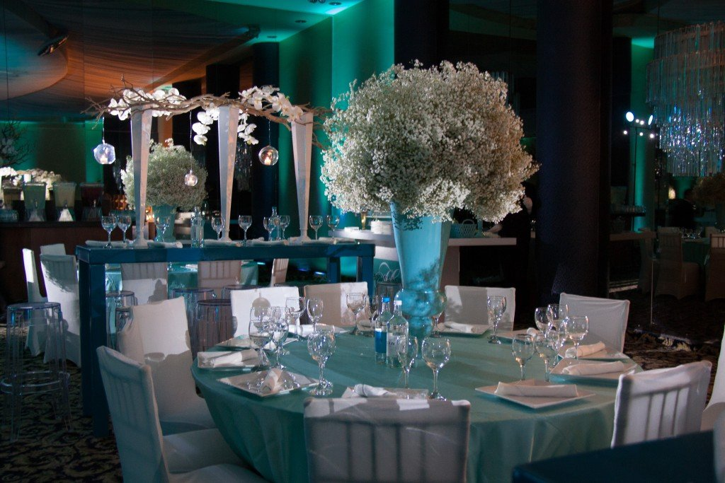 lighting on center pieces