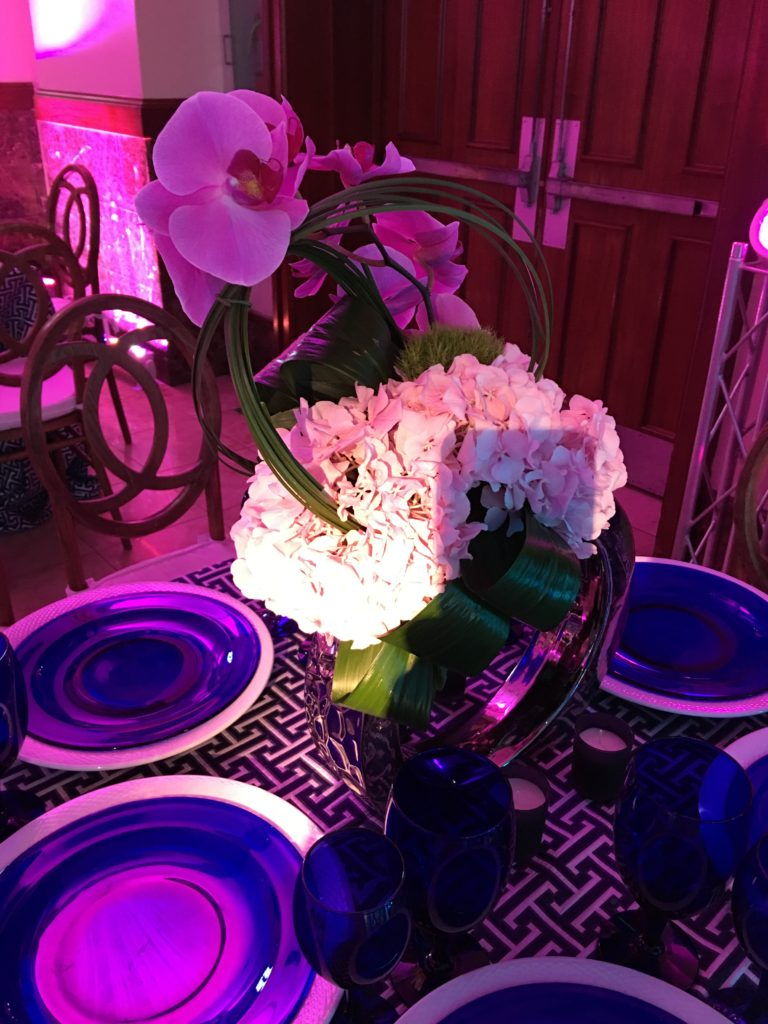Spotlights to make the centerpiece shine Event Planner NY - EventPlannerNY.com (800) 736-8888